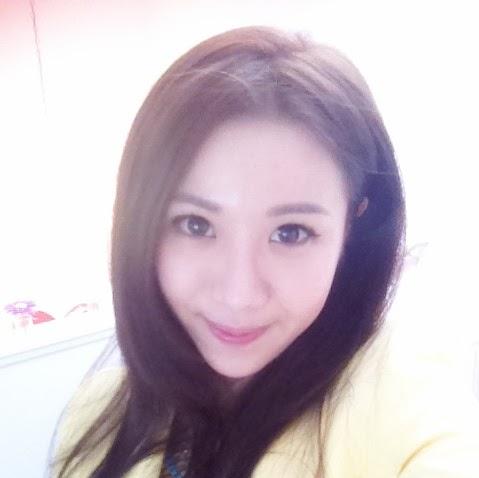 April Zhong Photo 6