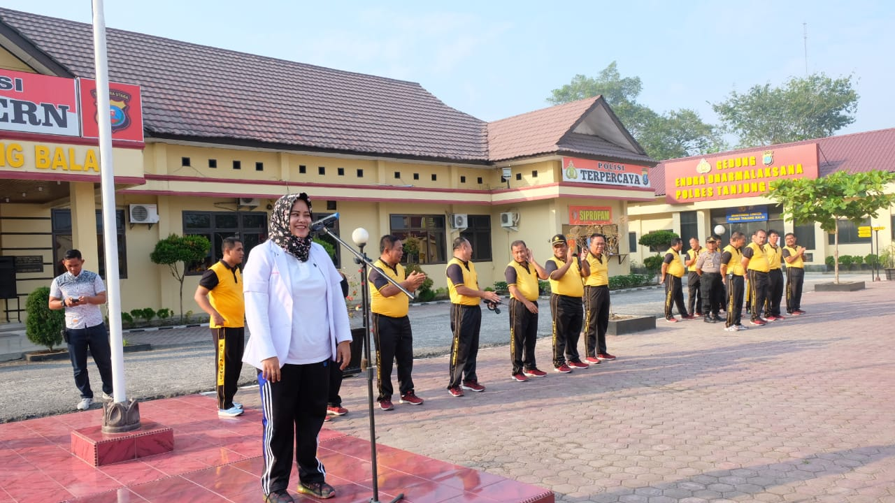 Sehabis Senam Pagi Kapolres Tanjung Balai Beri Arahan Tentang Jaga Kebersihan Lingkungan