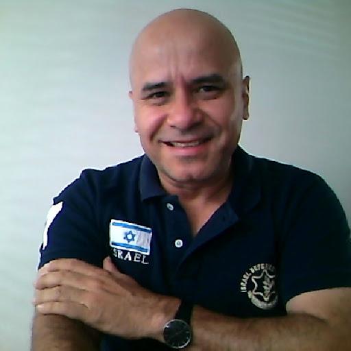 Ricardo Caballero Photo 23