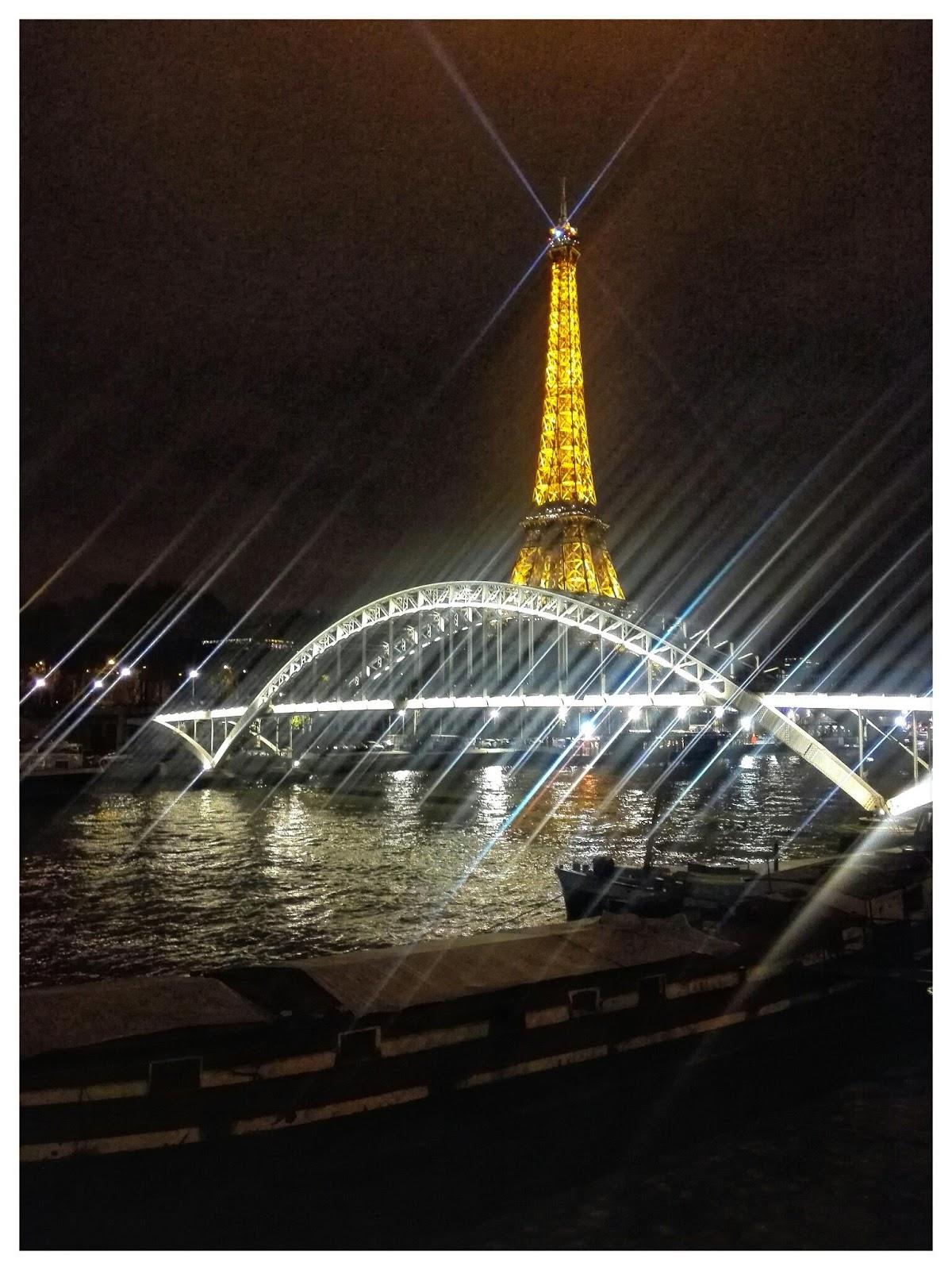 eiffel tower new year eve 2019 photos