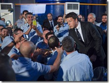 Matteo Renzi con i lavoratori della Getra Power SpA
