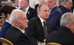 Vladimir-Putin-Heroes-4