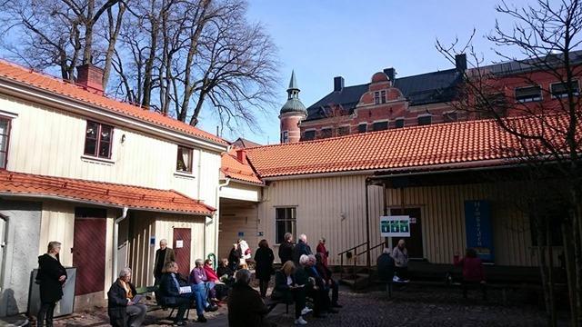 170325-04 Hemgården Innergård 2
