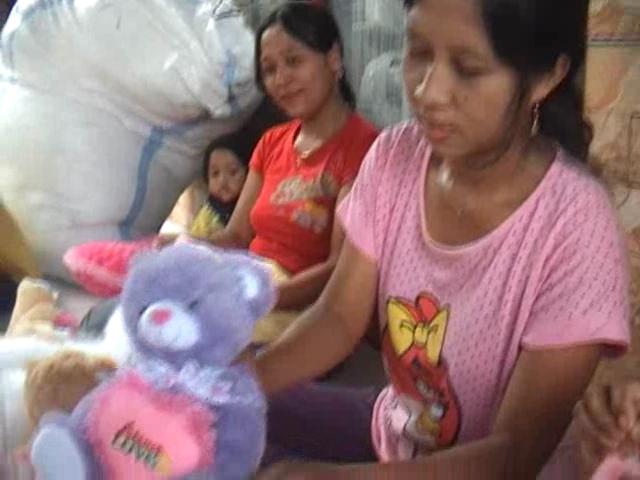 Boneka Valentine Sentuhan Remaja Jombang ini Mulai Diburu Pembeli