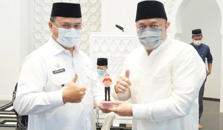 Gubernur Bangka Belitung Resmikan Masjid Megah Pendiri JNE