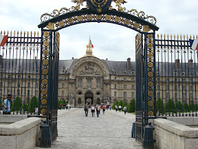 Gate into Les Invalides