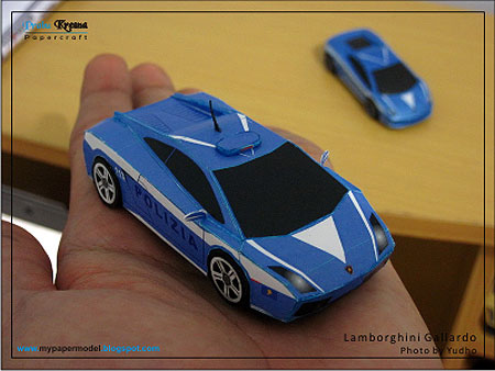 Lamborghini on Lamborghini Gallardo Police Car Papercraft  Lp560 4 Polizia