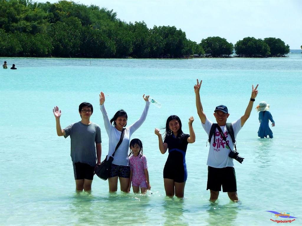 family trip pulau pari 140716 Fuji 201