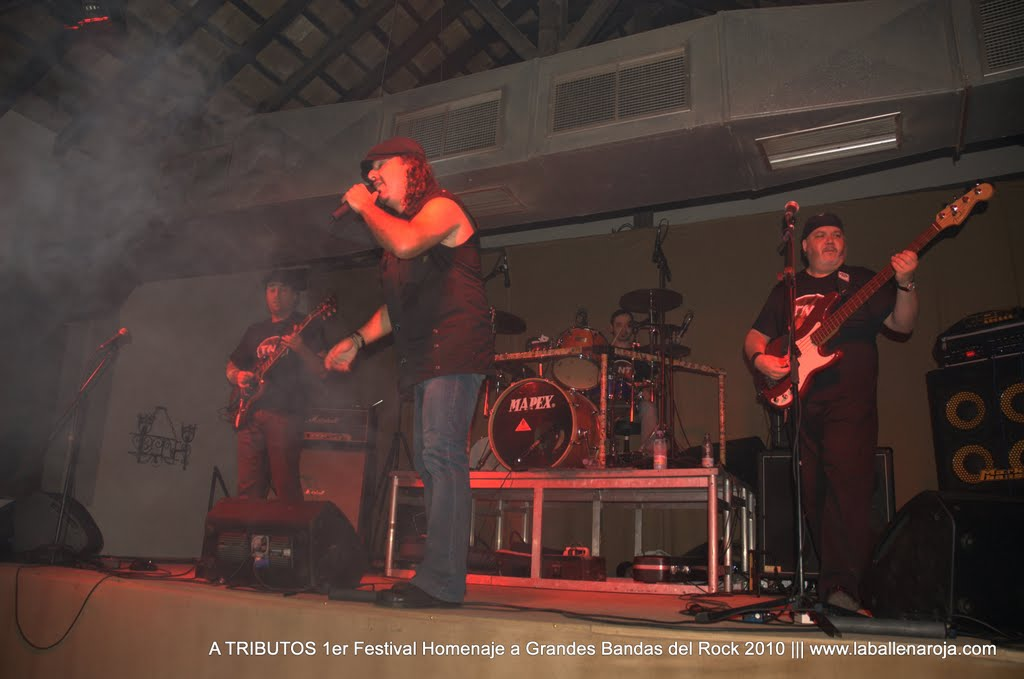 A TRIBUTOS 1er Festival Homenaje a Grandes Bandas del Rock 2010 - DSC_0215.jpg