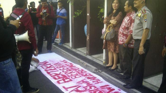 Demo Mahasiswa Berlanjut ke DPRD Kota