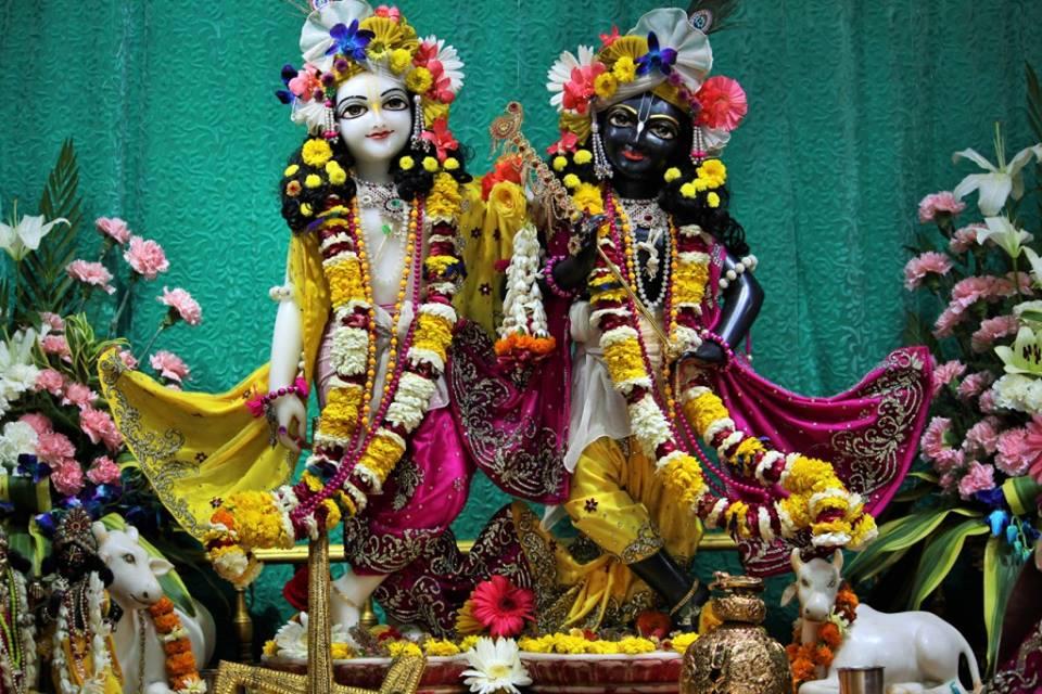 ISKCON Punjabi Bagh Deity Darshan 30 Mar 2016  (7)