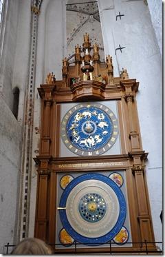 3 lubeck eglise ste Mary horloge