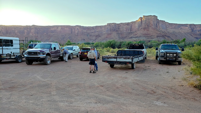 Leaving our vehicles at Mineral Bottom