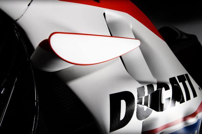 2016-ducati-team-motogp-foto-ufficiali-12.jpg