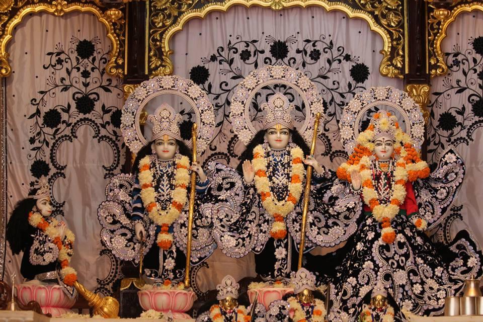 ISKCON Kanpur Deity Darshan 19 Dec 2015 (19)