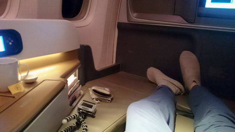 LHR SIN 54 - REVIEW - Singapore Airlines : Business Class - London to Singapore (B77WN)