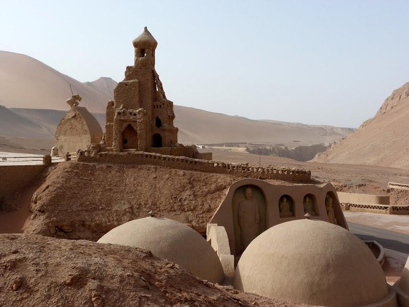 XINJIANG.  Turpan. Ancient city of Jiaohe, Flaming Mountains, Karez, Bezelik Thousand Budda caves - P1270984.JPG