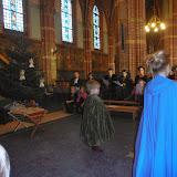 Kindje wiegen St. Agathakerk 2013 - PC251135.JPG