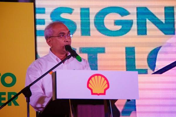 Tuan Haji Azman Ismail , Pengarah Urusan Shell Malaysia Trading Sdn Bhd dan Shell Timur Sdn Bhd