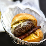 Burger Brawl 2012 - pappy_s_bar_and_grill_burger.jpg