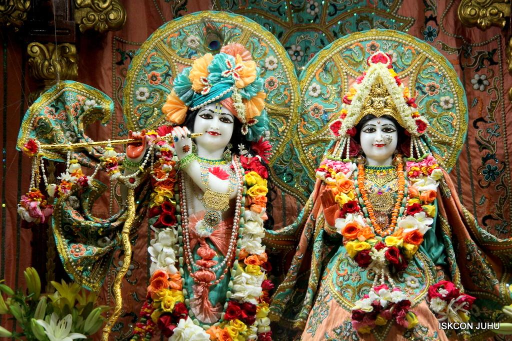 ISKCON Juhu Sringar Deity Darshan on 21st Oct 2016 (19)