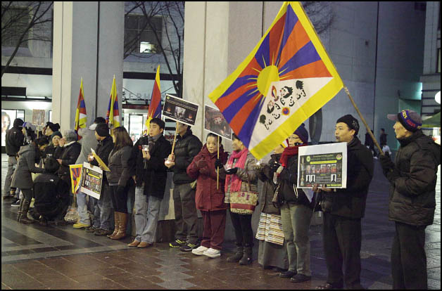 Self-Immolations in Tibet: Candle Vigil in Downtown Seattle - IMG_0035%2B1-28-12%2B72Cc%2BCandle%2BVigil.jpg