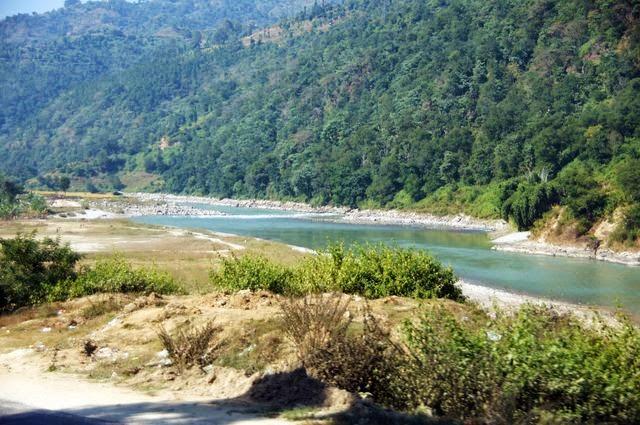 達人帶路-環遊世界-尼泊爾PoonHill健行-河流