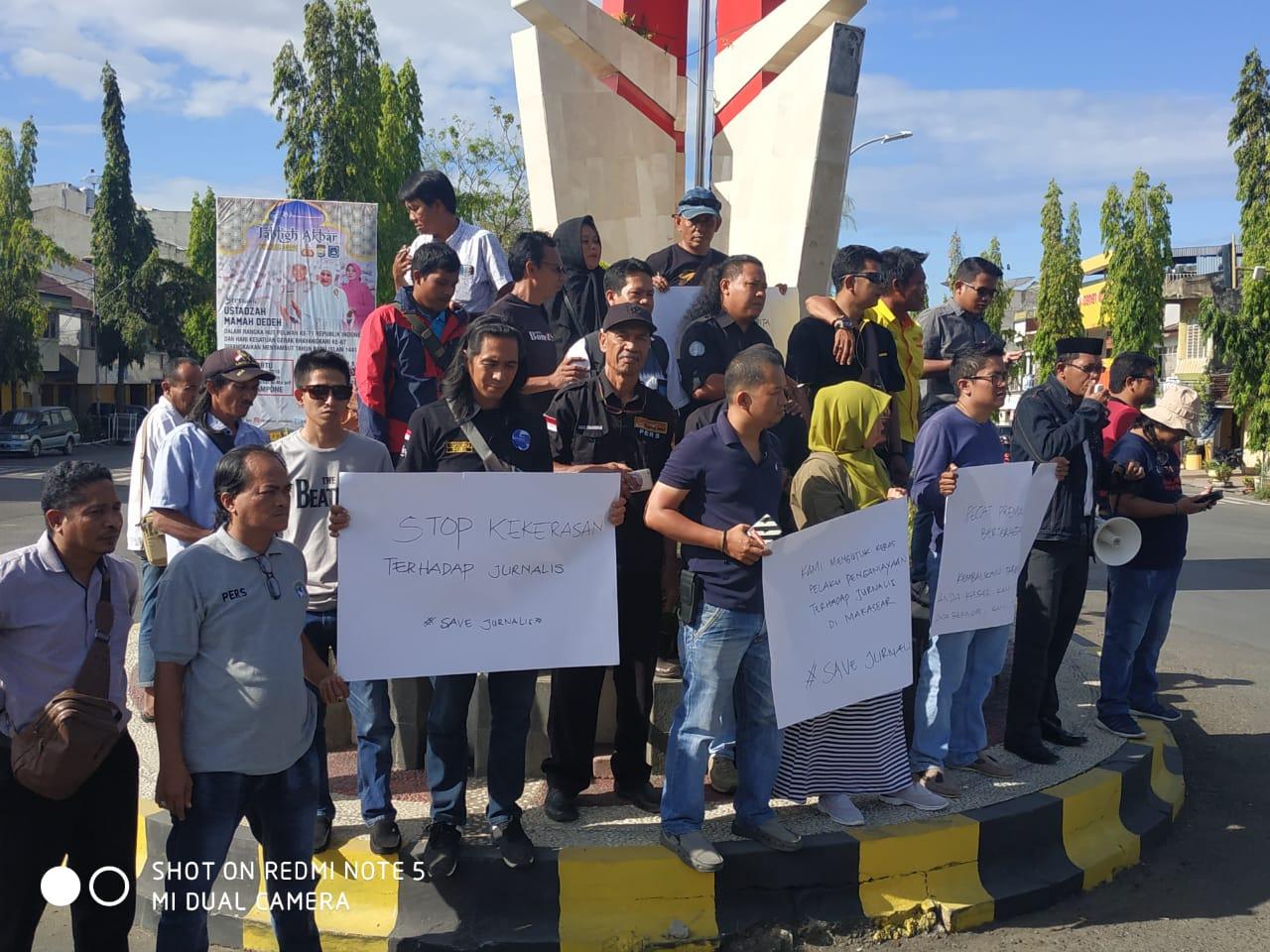 Wartawan di Bone Tuntut Kapolri dan Kapolda Sulsel Mundur dari Jabatannya