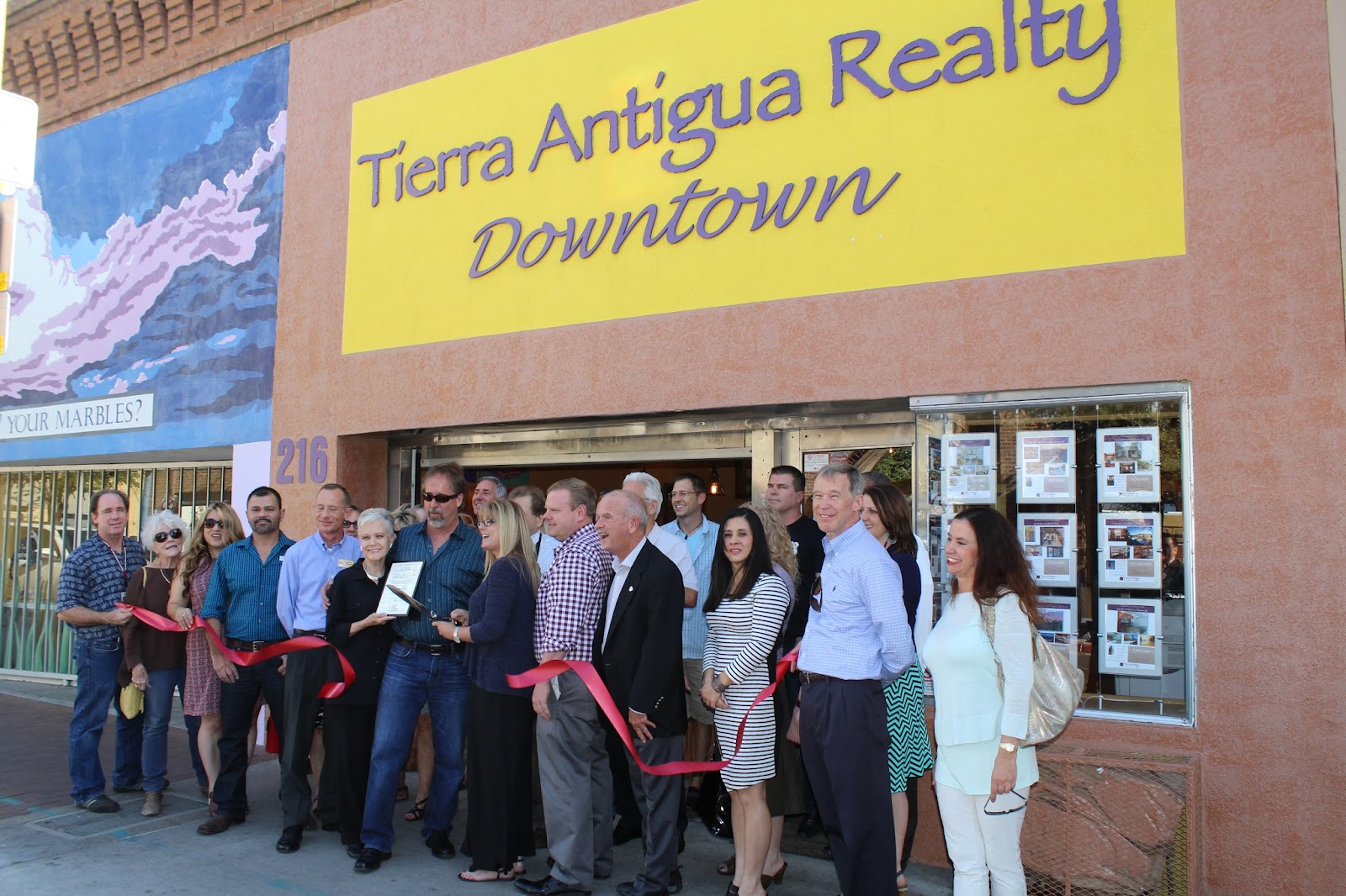 Congratulations to Tierra Antigua Realty, located at 216 E. Congress Street, on the opening of their 6th location in southern Arizona! Tierra Antigua Realty celebrated the grand re-opening of its downtown Tucson office location on March 18. After the renovations, this office now provides a luxurious space for agents and their clients to meet. Tierra Antigua is Southern Arizona's largest locally-owned real estate company and has six convenient locations throughout Tucson, Green Valley and Sierra Vista.