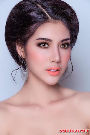 Cô dâu trang điểm ấn tượng với phong cách Thái Lan