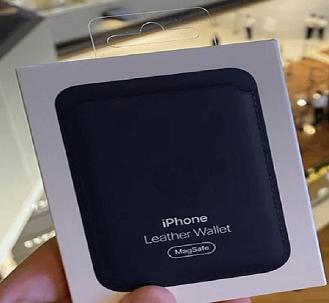 "تقدم Apple في متجرها محول شحن ""MagSafe"" لهواتف ""iPhone 12"""