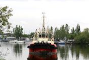 В Николаеве буксир «Гайдамака» после разводки Ингульского моста оказался в ловушке