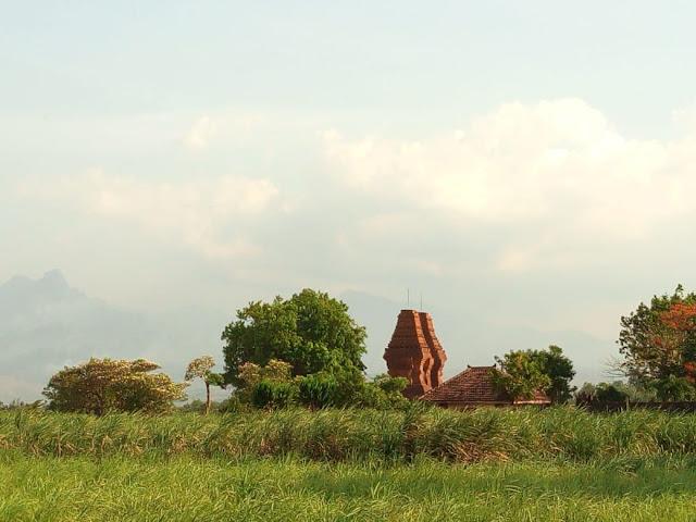 Gapura Wringin Lawang Trowulan