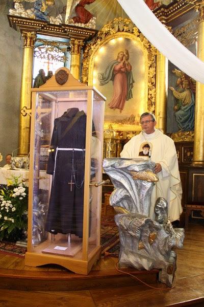Z relikwiami św. O.Pio w Istebnej - IMG_3459.JPG