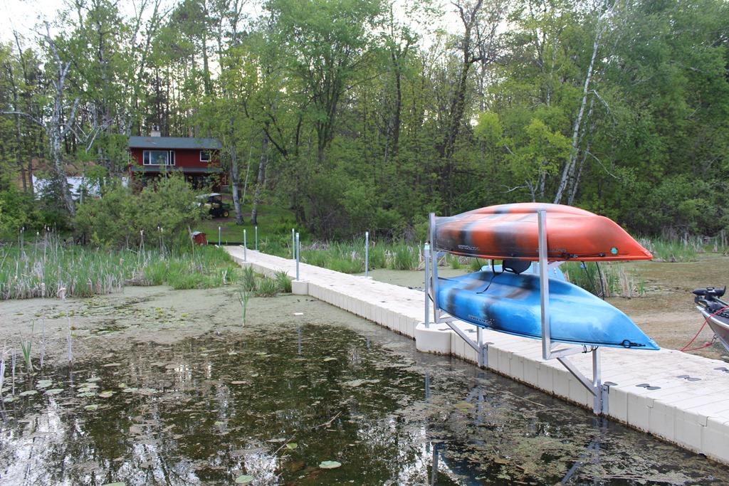 [House+dock+kayaks%5B5%5D]