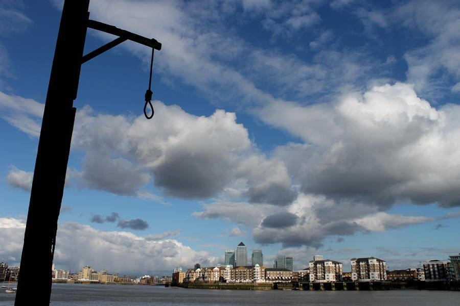 execution-dock-wapping-6