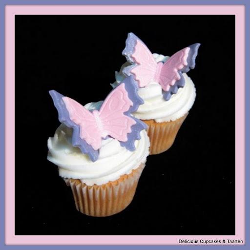 cupcakes met toef en vlinder.jpg