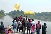 Wabub Kayong Utara dan Raja Simpang Susur Sungai Ziarah ke Makam Gusti Panji
