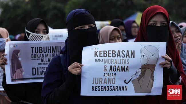 """""""No Hijab Day"""" Fix Sesat"""