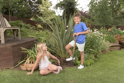 K&S Garden Life Tools - Children with Spade and Hand Tools