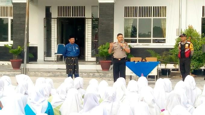 Polsek Tampan Berikan Penyuluhan Kepada Siswa SMA 15 Pekanbaru.