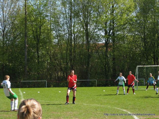 Albatros-17april2010 - vrouwenvoetbal_sint_jozef_londerzeel_vrijetrap.jpg