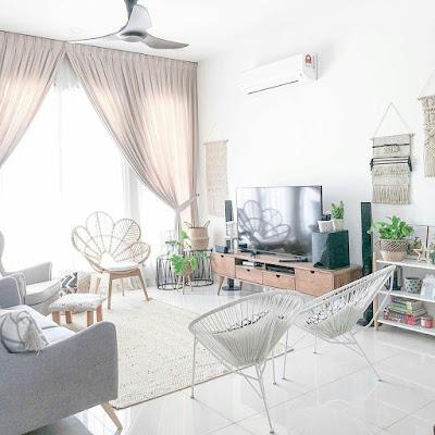 Ruang keluarga nuansa putih