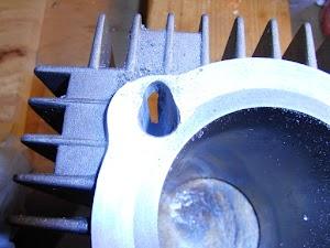 シリンダー加工(スタッド穴の拡張)