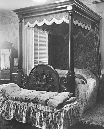 The Duke's bedroom in 'Mona Vale', near Ross
