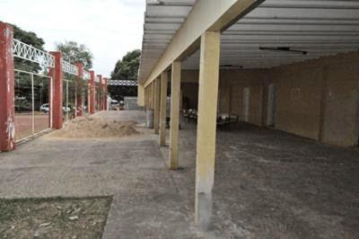 Está sendo reformado o centro de convivêndia do bairro Bela Vista.
