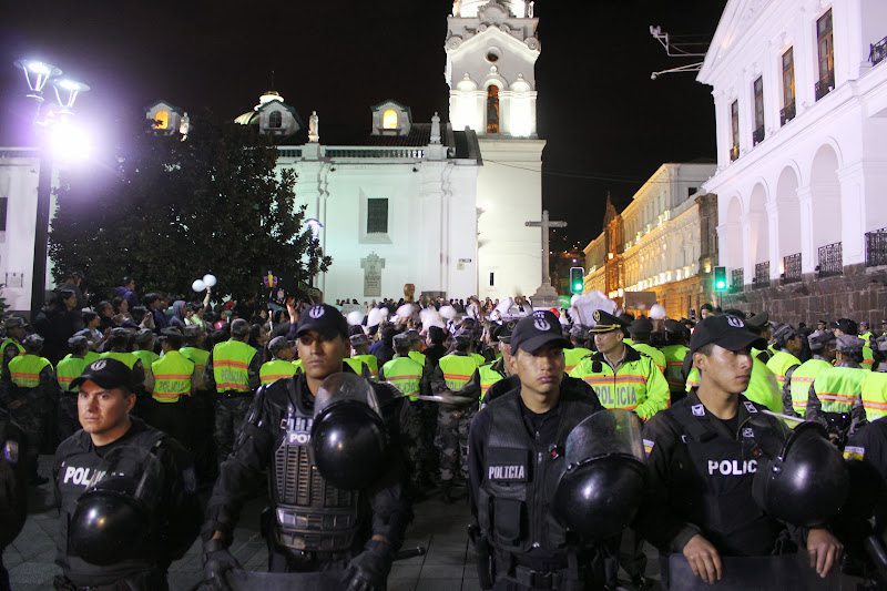 Massive police presence at the vigil for Yasuní