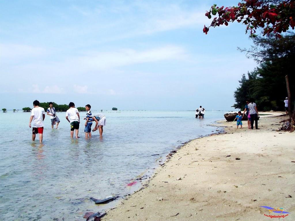 family trip pulau pari 140716 Fuji 008