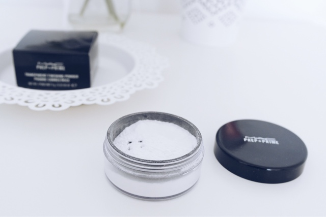 MAC Prep and Prime Transparent Finishing Powder Review, beauty blogger