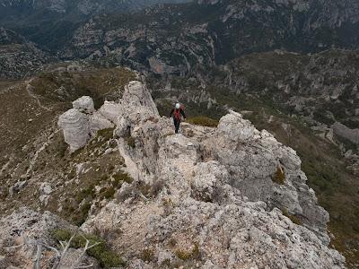 Últims metres abans de coronar el cim del Castell de l'Airosas